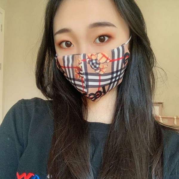 Burberry brand washable and reusable three-dimensional masks, fashionable cotton mask adjusters, a mask that does not hurt your ears burberry coronavirus protection masks
