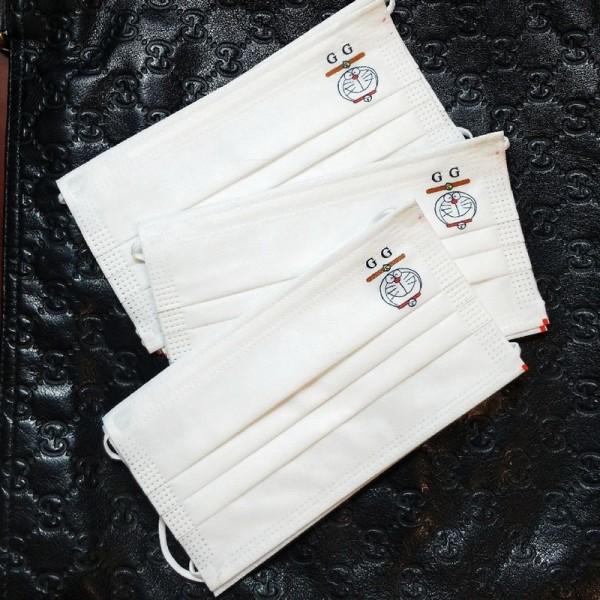Gucci brand non-woven disposable mask brand Pokonyan cute pattern white disposable simple mask COVID-19 coronavirus protective mask